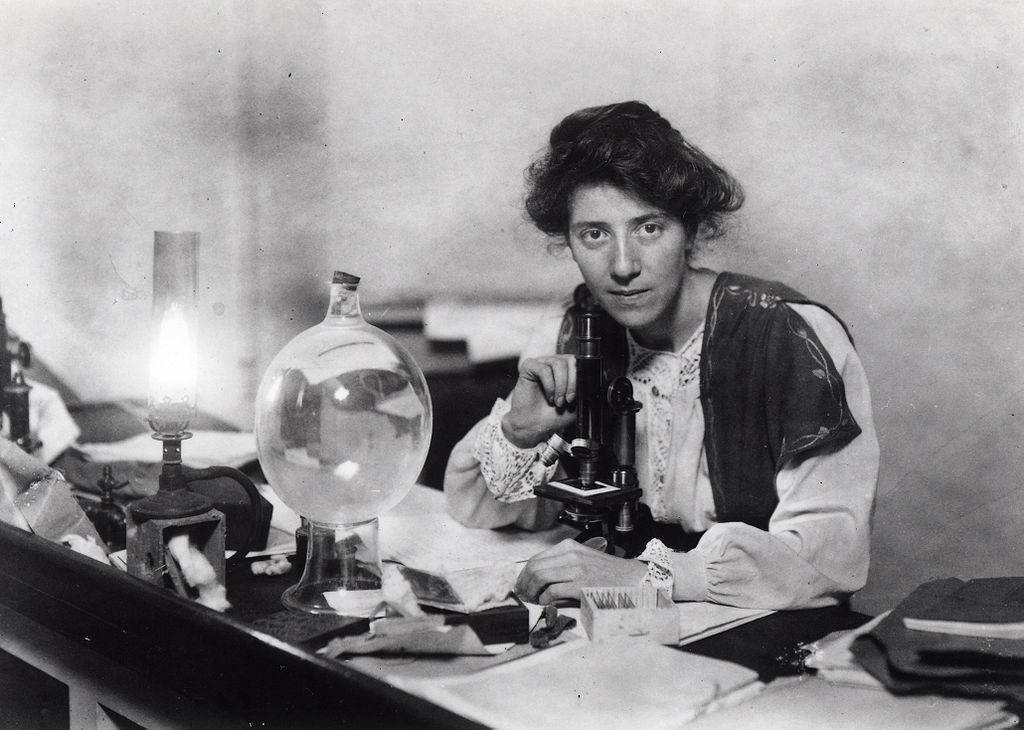 Marie Stopes in her lab