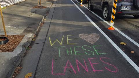 Yay for Elizabeth Street protected bike lanes trial!